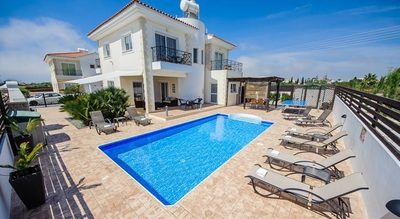 Villas in ayia napa