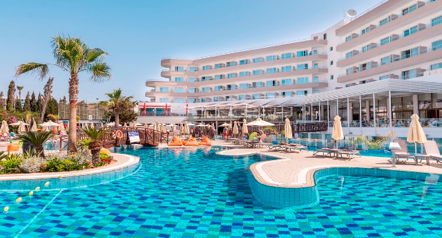 melissi Beach Hotel Ayia Napa for families